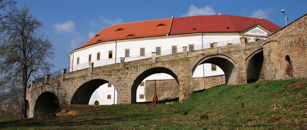 Revitalizace parku na Mariánské louce v Děčíně a zámeckých zahrad