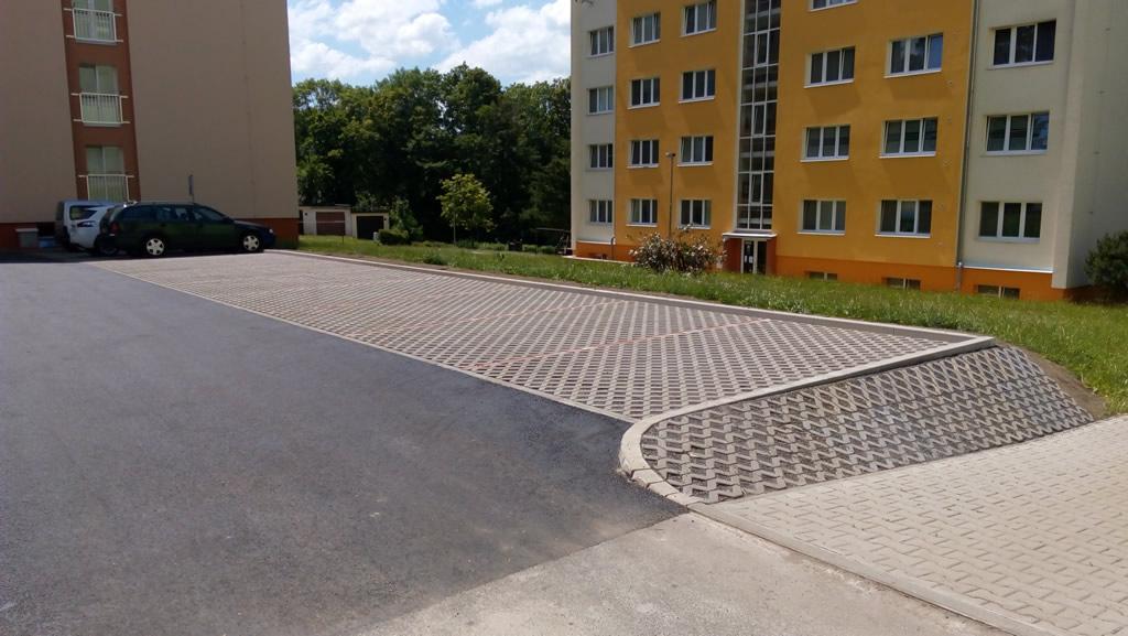 Parkoviště v ul. Bezručova u č.p. 1145, Frýdlant