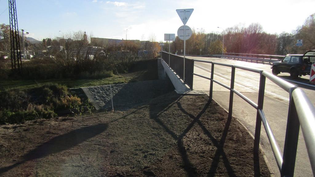 Silnice II/278, okružní křižovatka Stráž pod Ralskem